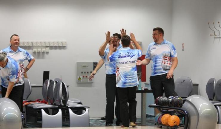 """Concentrare și voie bună în turneul de bowling """"Cupa Prieteniei Lake View 2016"""""""