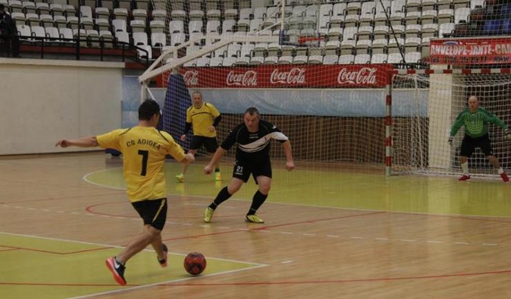 CS Agigea (în galben-negru) are punctaj maxim în grupa E