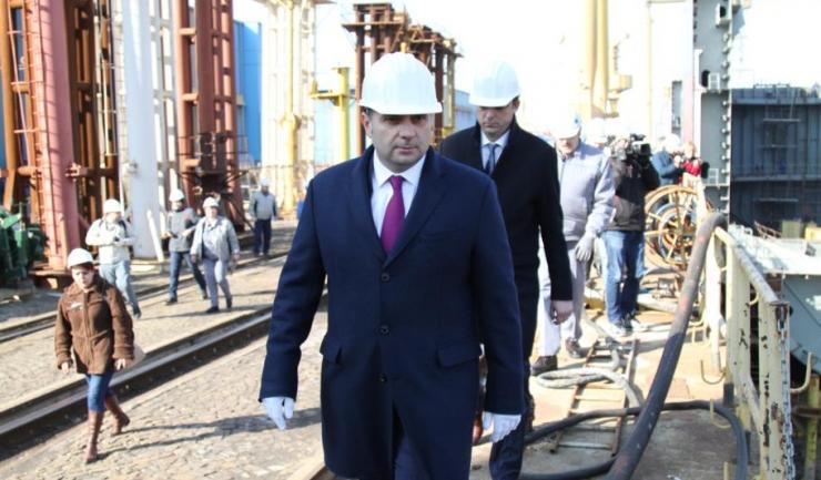 """Ministrul Economiei, Alexandru Petrescu: """"Oamenii au fost formați cu mari eforturi și mari costuri, iar dacă actualii angajați dispar, e greu de găsit alții în loc"""""""