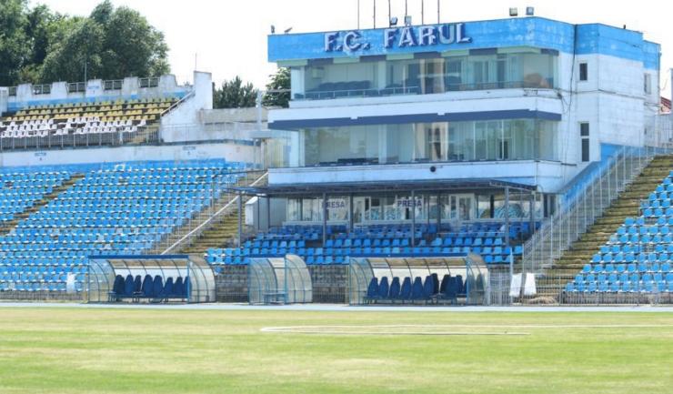 """Stadionul """"Farul"""" arată destul de bine înaintea partidei SSC Farul Constanța - Pescărușul Sarichioi"""