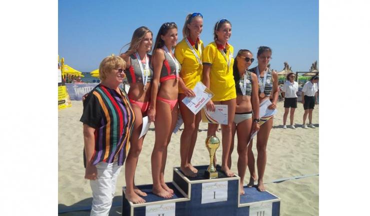 Beata Vaida și Adriana Matei au câștigat fără probleme turneul rezervat senioarelor