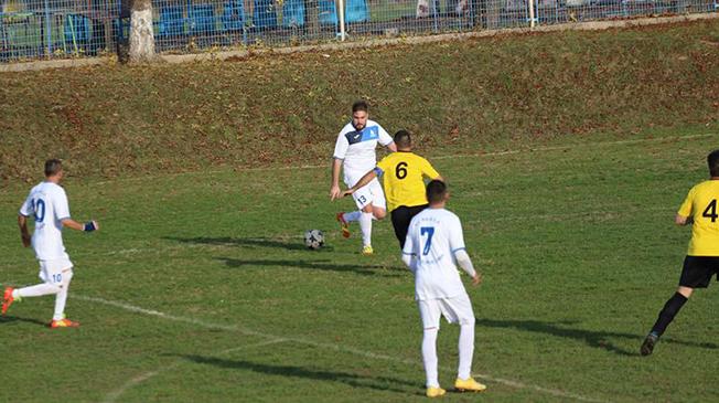 Olimpia Constanţa a trecut de Victoria Cumpăna (echipament galben-negru)