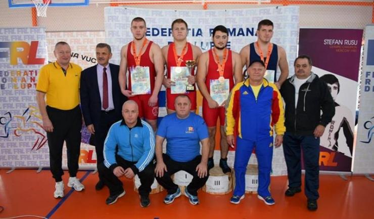 Marius Marin, care este antrenat la ACS Aurora 23 August de tatăl său, Aurelian Marin, a câștigat categoria 96 kg
