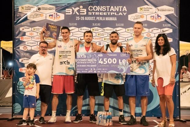 Băieții din Rahova au bifat a cincea victorie în acest an în turneele marca Sport Arena Streetball, încasând cecul în valoare de 4.500 de lei
