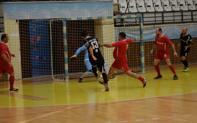 În partida Telegraf (echipament roşu) - Vulturii Cazino s-au marcat cele mai multe goluri în etapa a doua