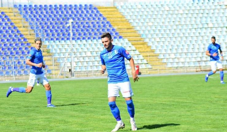 Alexandru Stoica a deschis scorul, însă a fost schimbat la pauză, din cauza unei accidentări