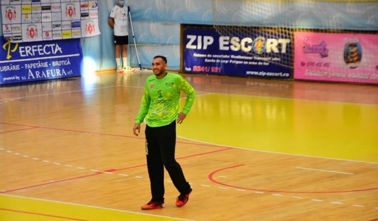 Ionuţ Iancu a intervenit salvator la două aruncări de la 7 metri în finalul partidei cu Steaua