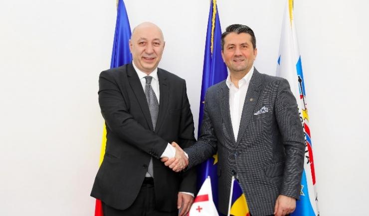 Excelența Sa Nikoloz Nikolozishvili, ambasadorul Georgiei în România și primarul Constanței, Decebal Făgădău