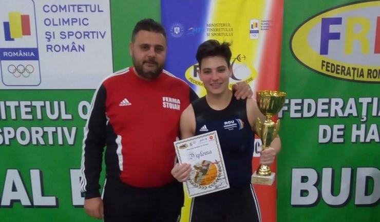Mariana Dumitrache (sportivă antrenată de Angheluș Beșleagă) va evolua în concursul universitar de haltere
