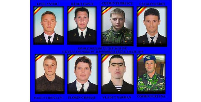 Ei sunt scafandrii eroi decedați în tragedia de la Tuzla. În același accident au murit patru militari de la Forțele Aeriene
