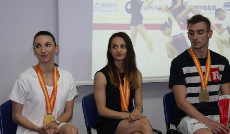 Oana Corina Constantin, Bianca Maria Gorgovan și Dacian Barna și-au pus la gât medaliile cucerite la Incheon