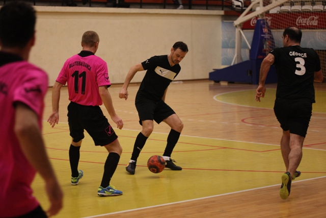 Cariocas Constanţa (în negru) a învins la scor Liga Ofiţerilor