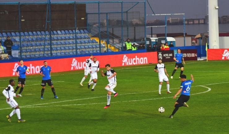 FC Voluntari s-a apropiat la patru puncte de Viitorul, care are un meci mai puţin disputat