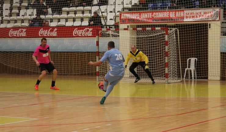 Municipal (în bleu) a învins Liga Ofiţerilor în grupa C a turneului principal