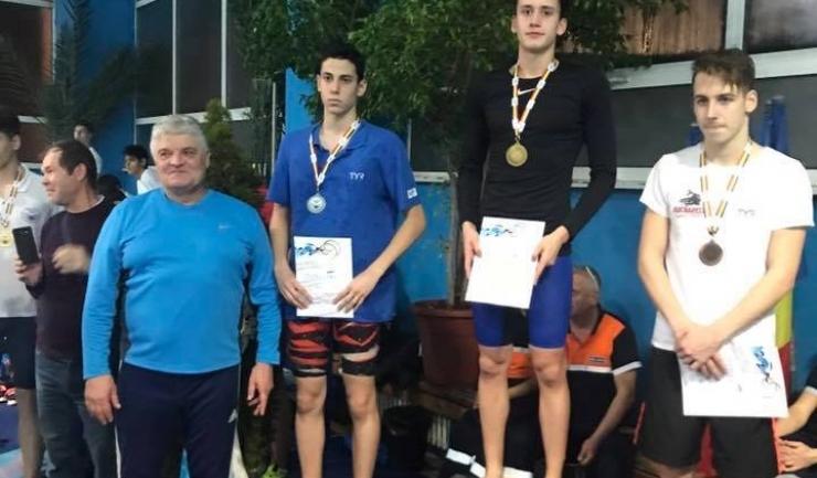 Sebastian Tulea a primi medalia de argint din partea fostului mare fotbalist hunedorean Ioan Andone