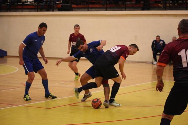 CSO Murfatlar a produs surpriza în partida cu SSC Farul (în albastru)