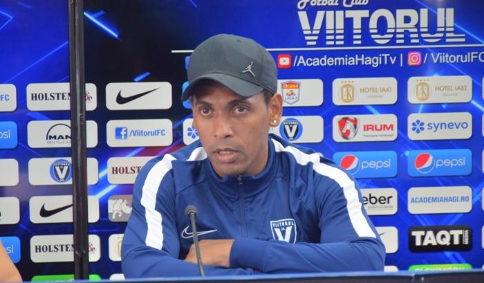 """Eric de Oliveira: """"Îmi doresc să marchez, dar mai puţin contează cine dă goluri"""""""