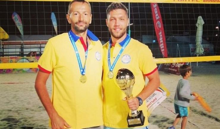 Constănţenii Cosmin Ghimeș şi Marius Iftime (Academia de Volei Tomis Constanţa) au devenit campioni naţionali de seniori la volei pe plajă