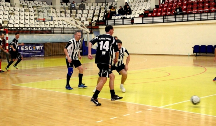 Athletic Club 1973 Constanţa (echipament alb-negru) are prima şansă la ocuparea primului loc în Grupa B