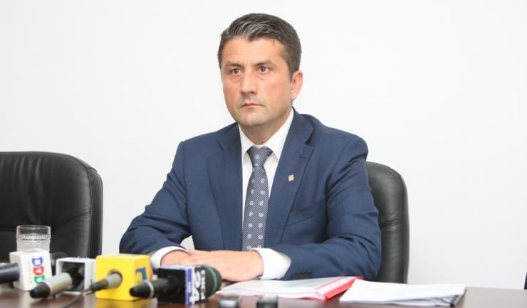 """Primarul Decebal Făgădău: """"În prima ședință voi propune consilierilor locali ca o stradă din municipiu să poarte numele profesorului Gheorghe Dumitrașcu"""""""