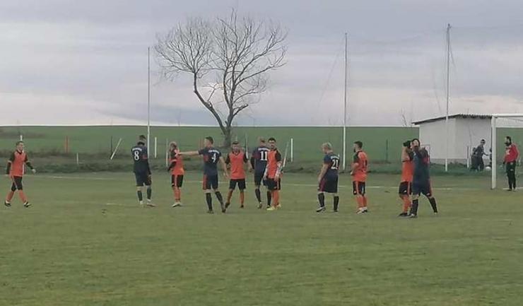 CS Agigea a profitat de înfrângerea Viitorului Fântânele la Băneasa (sursa foto: Facebook Club Sportiv Agigea)