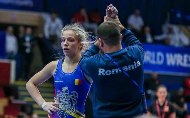 Andreea-Beatrice Ana a urcat pe podium la categoria 53 de kilograme (sursa foto: Facebook Federatia Romana de Lupte (FRL)
