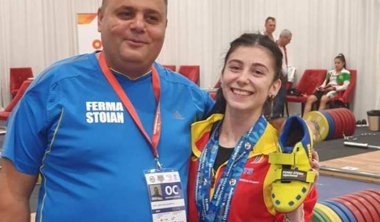 Antrenorul Angheluş Beşleagă şi Bianca Dumitrescu (sursa foto: Facebook Angheluş Beşleagă)