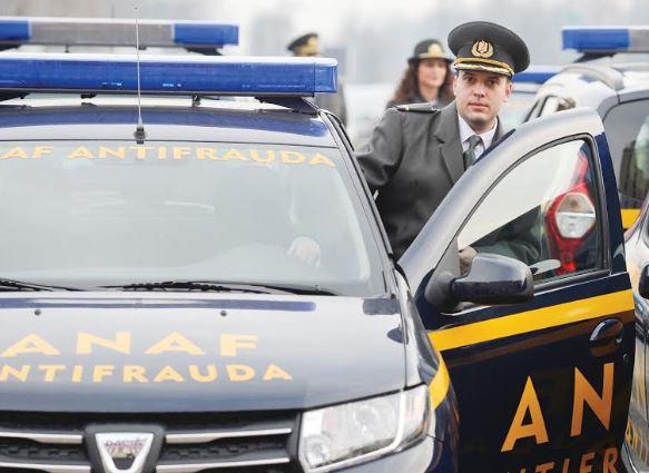 Inspectorii Antifraudă din Deva au confiscat, sâmbătă, 17.400 de perechi de încălțăminte, în valoare de un milion de lei