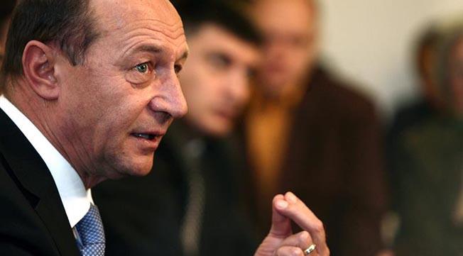 """Traian Băsescu: """"Fac un apel la dumneavoastră, prin vot să desființăm o sinecură pentru niște clienți ai sistemului de învățământ militar"""""""