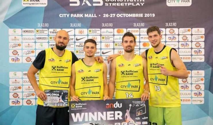 Alexandru Liță, Andrei Oprean, Adrian Trandafir și Cezar Bărăgău (sursa foto: Sport Arena Streetball / Cosmin Moței)