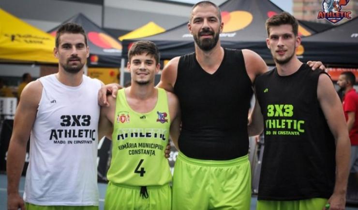 Adrian Trandafir, Andrei Oprean, Virgil Stănescu şi Cezar Bărăgău (sursa foto: Facebook Baschet Club Athletic Constanta)