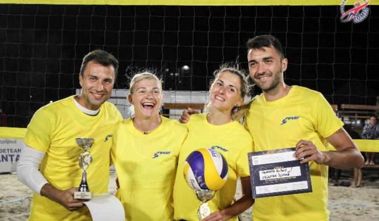 Câştigătorii celui de-al doilea turneu din circuitul Constanța Beach Volleyball Tour (sursa foto: Facebook Academia de Volei Tomis Constanta)