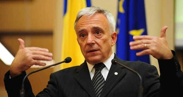"""Guvernatorul BNR, Mugur Isărescu: """"Rezerva e rezezervă, nu e investiție. Rezervele îți reduc costurile de finanțare și îți aduc mai multe avantaje decât repatrierea ei"""""""