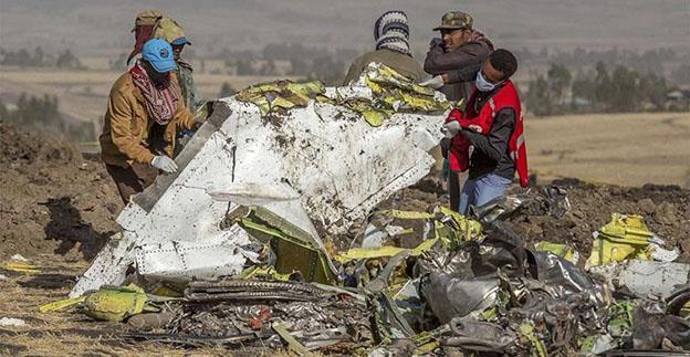 O aeronavă Boeing 737 MAX 8 s-a prăbușit duminică. Este a doua în decurs de cinci luni. Acțiunile companiei au scăzut luni cu 10%