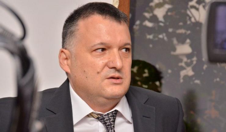 Autorul scrisorii deschise, deputatul Bogdan Huțucă, președintele PNL Constanța
