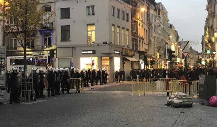 Forțele de ordine au intervenit pentru a opri haosul instalat pe străzile din capitala Belgiei