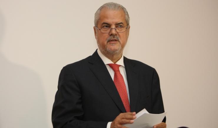 """Adrian Năstase: """"S-a schimbat lanțul de comandă. Guvernul va funcționa sub ochiul mai atent al Parlamentului, dar libertatea de decizie va fi mai mică"""""""