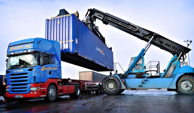 Importurile au ajuns la 55,6 miliarde euro în primele zece luni, depășind cu 7,89 miliarde euro exporturile