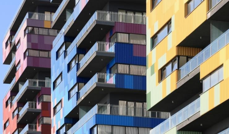 Apartamentele de la malul mării s-au depreciat ușor în noiembrie, la 955 euro/mp