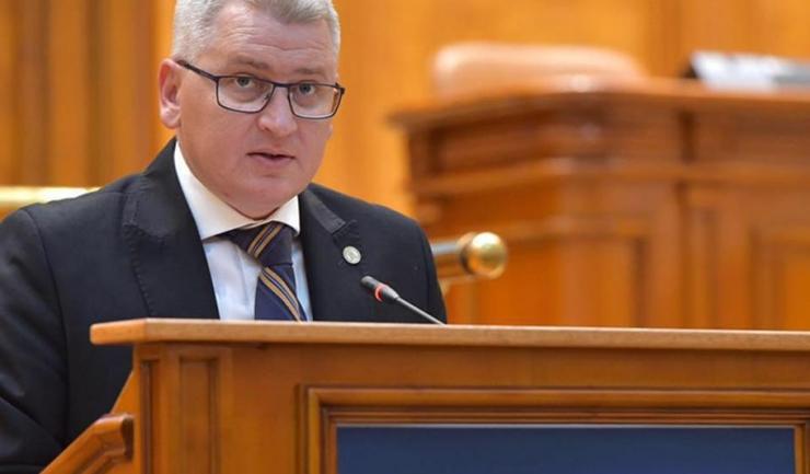 """Deputatul Florin Roman spune că PNL vrea interzicerea participării la licitaţii din bani publici a firmelor off-shore din """"paradisuri fiscale"""" şi a celor care nu au un acţionariat transparent"""