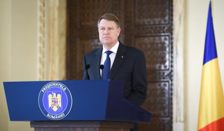 Președintele Klaus Iohannis a convocat partide parlamentare la Cotroceni. Mulți spun că aceste consultări sunt ilegale pentru că rezultatul alegerilor parlamentare nu a fost încă validat.