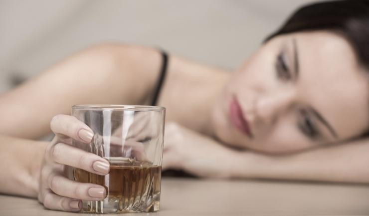 România se află în primele cinci ţări din Europa privind consumul de alcool, potrivit statisticilor (sursa foto: elytis-hospital.ro)