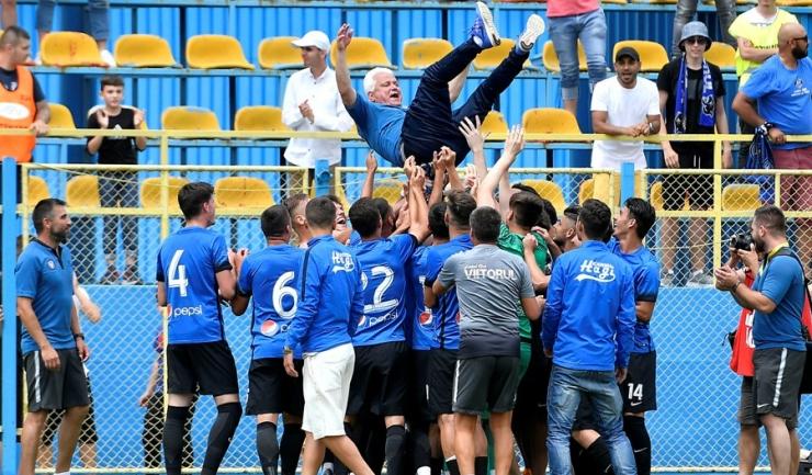 În vârstă de 59 de ani, Cristian Cămui activează de nouă ani în clubul de la țărmul mării (sursa foto: www.academiahagi.ro)