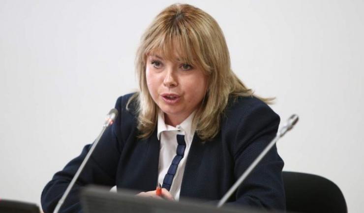 """Ministrul Finanțelor, Anca Dragu: """"Și-n piețe se putea plăti cu cardul, numai la Fisc nu..."""""""