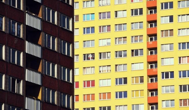 """Cererea pentru apartamente din blocuri noi e dublă față de cea pentru """"vechituri"""""""