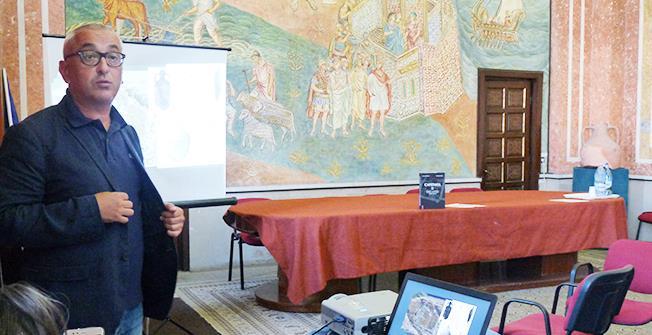 """Şeful şantierului arheologic de la Capidava, Ioan Opriş: """"Arheologia este o meserie care are de-a face cu vestigiile trecutului în scopul îmbogăţirii discursului istoric. Mai avem multe lucruri spectaculoase de publicat de la Capidava""""."""