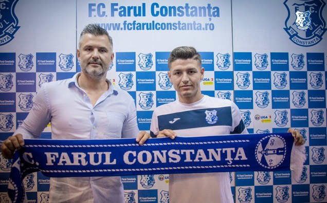 Tiberiu Curt, manager FC Farul, şi Iulian Carabela (sursa foto: Facebook FC Farul Constanța)