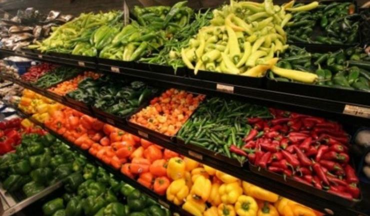 Creşterile de preţuri la legume şi conserve de legume sunt remarcabile, dar campionii scumpirilor sunt cartofii