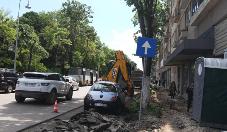 Până în 19 august se lucrează pe mai multe artere rutiere din Constanța, pentru reabilitarea tramei stradale și întreținerea sistemului de iluminat public