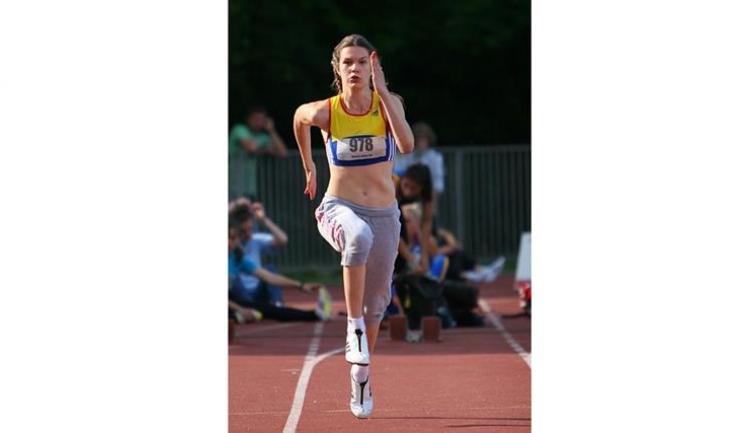 Alina Rotaru s-a impus în proba de săritură în lungime (sursa foto: www.fra.ro)